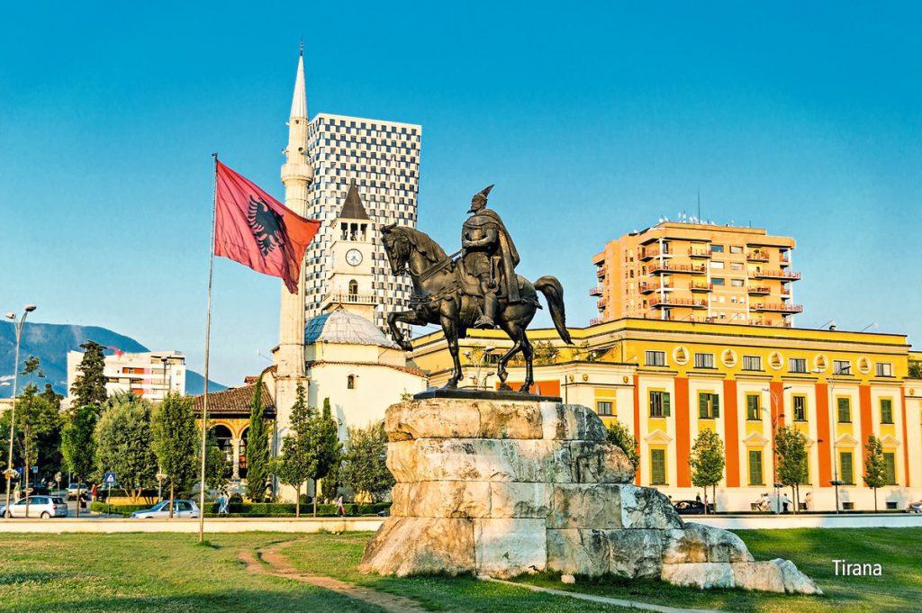 Pažintinė kelionė po Albaniją 2020 m. liepą