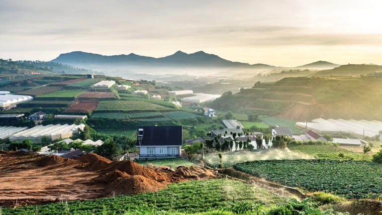 Vietnamas iš Varšuvos rudens atostogoms