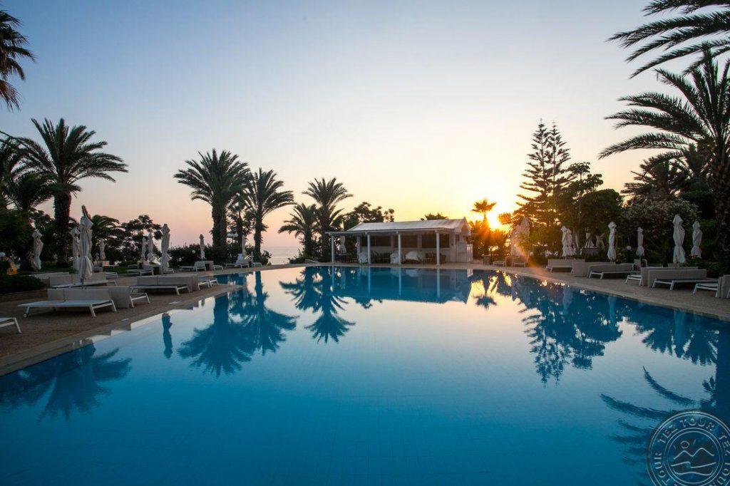 Poilsis Kipre rudenį su pusryčiais 4* Crystal Springs Beach